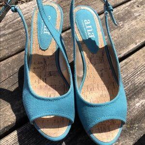 NEW A.N.A. Sz 6.5 Turquoise Wedge Heel SANDAL NWOT